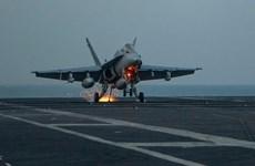 Máy bay Mỹ oanh kích các mục tiêu của IS từ Địa Trung Hải