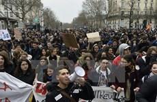 Pháp đối mặt đợt biểu tình mới do bất đồng nghiệp đoàn và chính phủ