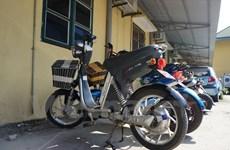 Ít người dân đến trong ngày đầu nộp thuế trước bạ xe máy điện
