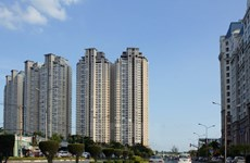 Nhiều đại gia bất động sản thế chấp dự án trong tương lai