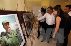Trưng bày ảnh Việt Nam-Cuba nhân ngày sinh Chủ tịch Fidel Castro