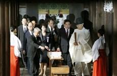 Hai Bộ trưởng thành viên Nội các Nhật Bản viếng đền Yasukini