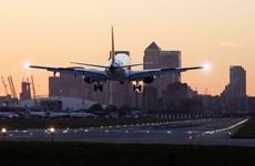 """Sân bay ở thủ đô London tuyên bố an toàn sau """"nghi vấn hóa chất"""""""