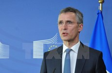 """NATO và Mỹ muốn đối thoại cùng Nga, nhưng với thế """"chiếu trên"""""""