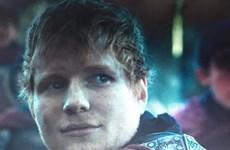 Ed Sheeran bất ngờ xuất hiện trong phần mở màn Game of Thrones 7