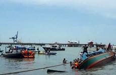 Lật tàu chở 51 người ở ngoài khơi Indonesia, 8 người thiệt mạng