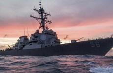 Tàu khu trục Mỹ tới căn cứ hải quân của Singapore sau vụ va chạm