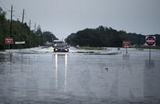 Nhà máy hóa chất phát nổ sau khi bị ngập nước do bão Harvey