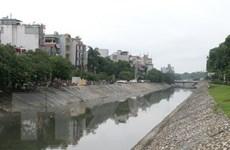 """Hà Nội cần rất nhiều tiền để """"giải cứu"""" các dòng sông ô nhiễm"""