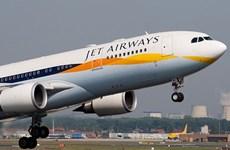 Máy bay Jet Airways hạ cánh khẩn do điện thoại bỏ quên khả nghi