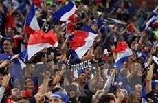 Pháp rợp cờ hoa, mừng đội nhà vào chung kết World Cup sau 12 năm