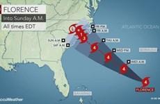 Siêu bão Florence tiếp tục suy yếu trước khi đổ bộ vào Mỹ
