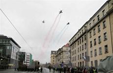 Séc: Diễu binh lớn nhất lịch sử kỷ niệm 100 năm thành lập Tiệp Khắc