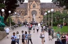 Australia gia hạn thời gian lưu trú thị thực du lịch kết hợp lao động