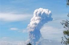 Núi lửa hoạt động mạnh nhất ở Philippines tiếp tục phun tro bụi