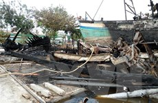 Sóc Trăng: Cháy hai tàu khai thác thủy sản ở cảng cá Trần Đề