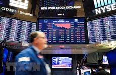 Chứng khoán Âu-Mỹ tụt dốc vì triển vọng kinh tế ảm đạm