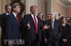 Tổng thống Mỹ Donald Trump và cuộc chiến chính trị toàn diện