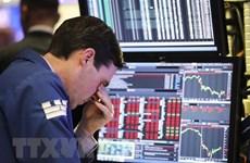 Các thị trường chứng khoán châu Âu và Mỹ diễn biến trái chiều