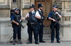 Cảnh sát Anh điều tra loạt vụ gửi bưu kiện chứa thiết bị nổ