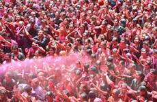 Ấn Độ ngập tràn sắc màu trong lễ hội Holi của người Hindu