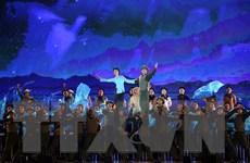 Hào hùng chương trình nghệ thuật 'Điện Biên - Điểm hẹn hòa bình'