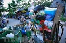Triển lãm ảnh đầu tiên về rác thải nhựa 'Hãy cứu biển' ở Việt Nam