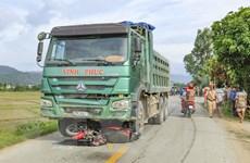 Điện Biên: Hai mẹ con thương vong sau va chạm giữa xe máy và xe tải