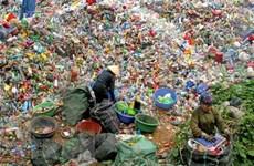 Xử lý rác thải rắn sinh hoạt bằng công nghệ ủ phân hữu cơ vi sinh