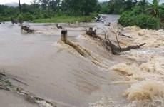 Đường Hồ Chí Minh đoạn qua Kon Tum tiếp tục bị ngập sau mưa lớn