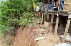 Di dời khẩn cấp các hộ dân vùng sạt lở ở kênh Xáng Tân An