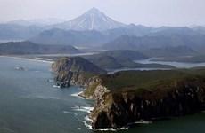 Nhật Bản phản ứng về chuyến thăm của Thủ tướng Nga tới đảo tranh chấp