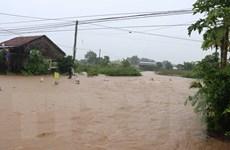 Mưa lũ làm ngập cục bộ, giao thông tạm thời bị chia cắt ở Đắk Lắk
