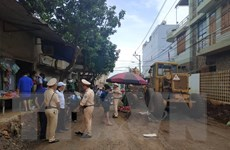 Đắk Lắk: Thiếu quan sát, xe san đất làm đường đè một người tử vong
