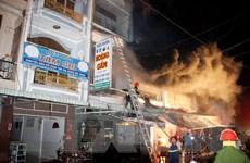 [Photo] Cháy lớn tại chợ đầu mối ở Cà Mau, nhiều hộ dân phải sơ tán