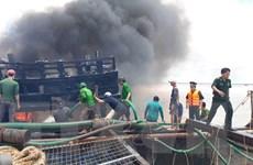 Bến Tre: Hỏa hoạn thiêu rụi cabin tàu cá đang neo đậu tại bến