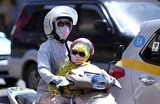 Không khí ô nhiễm khiến thị trường khẩu trang đắt khách