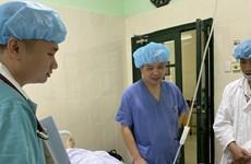 """Nâng chất lượng khám và điều trị để """"hút"""" người bệnh nước ngoài"""