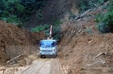 Quốc lộ 9C thông tuyến sau hơn 1 tuần ách tắc do mưa lũ