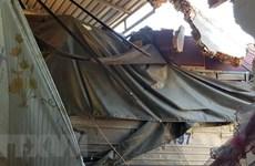 Quảng Nam: 3 người thoát chết sau vụ xe container mất lái tông sập nhà