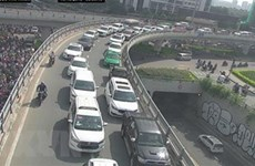 TP.HCM: Xe chở hàng lậu tự gây tai nạn ở đường hầm vượt sông Sài Gòn