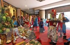 [Photo] TP Hồ Chí Minh tổ chức dâng cúng bánh tét Quốc tổ Hùng Vương