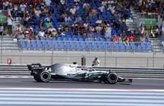 Mercedes thống trị tuần đua thử nghiệm đầu tiên với vôlăng mới