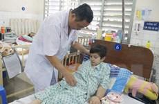 """Bác sỹ Nguyễn Văn Tiến: """"Ông Bụt áo trắng"""" của các bệnh nhân nghèo"""