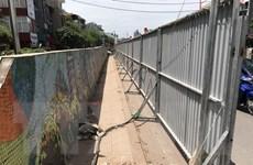 Hà Nội phá dỡ một đoạn con đường gốm sứ ven sông Hồng để mở rộng đường