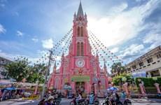 Nhà thờ Tân Định nằm trong tốp 10 điểm đến màu hồng đẹp nhất thế giới