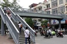 Nhiều giải pháp phát huy hiệu quả của hầm và cầu vượt bộ hành