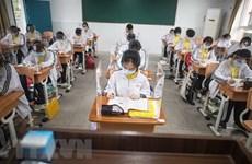 Vũ Hán chuẩn bị cho học kỳ mới, Argentina và Anh nới lỏng hạn chế
