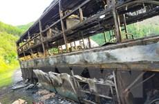 Đắk Lắk: Xe khách giường nằm bốc cháy và bị thiêu rụi trong đêm