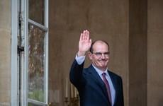 Nội các Pháp họp trực tuyến sau khi Thủ tướng tiếp xúc ca mắc COVID-19